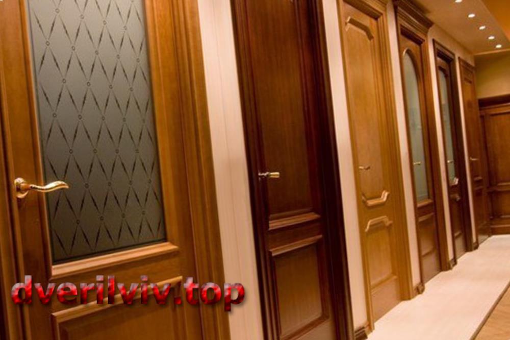 Двері з червоного дерева :: Низькі ціни у Львові