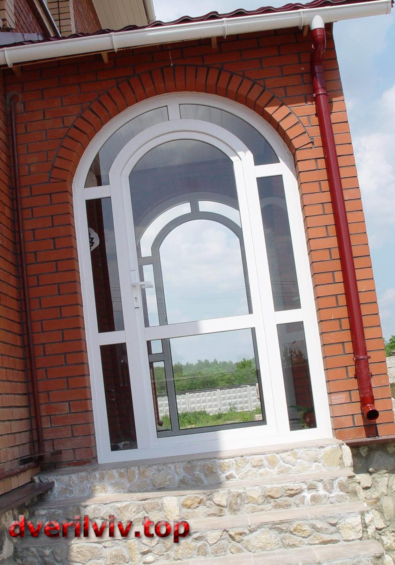 Пластикові двері REHAU :: Низькі ціни у Львові